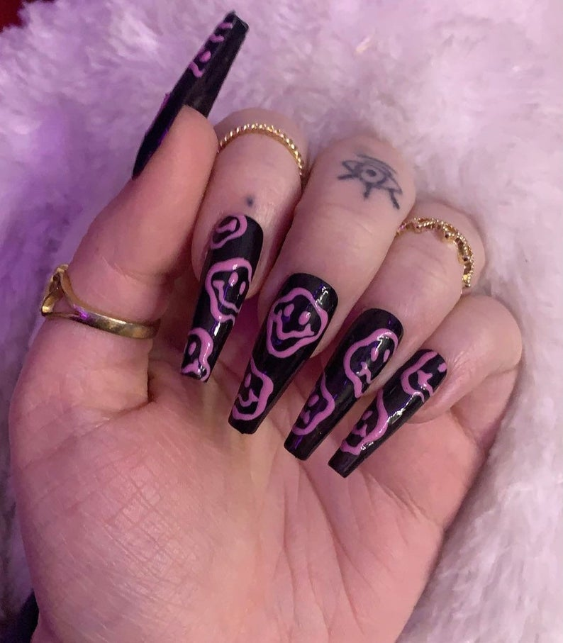 Black and pink squiggly nails