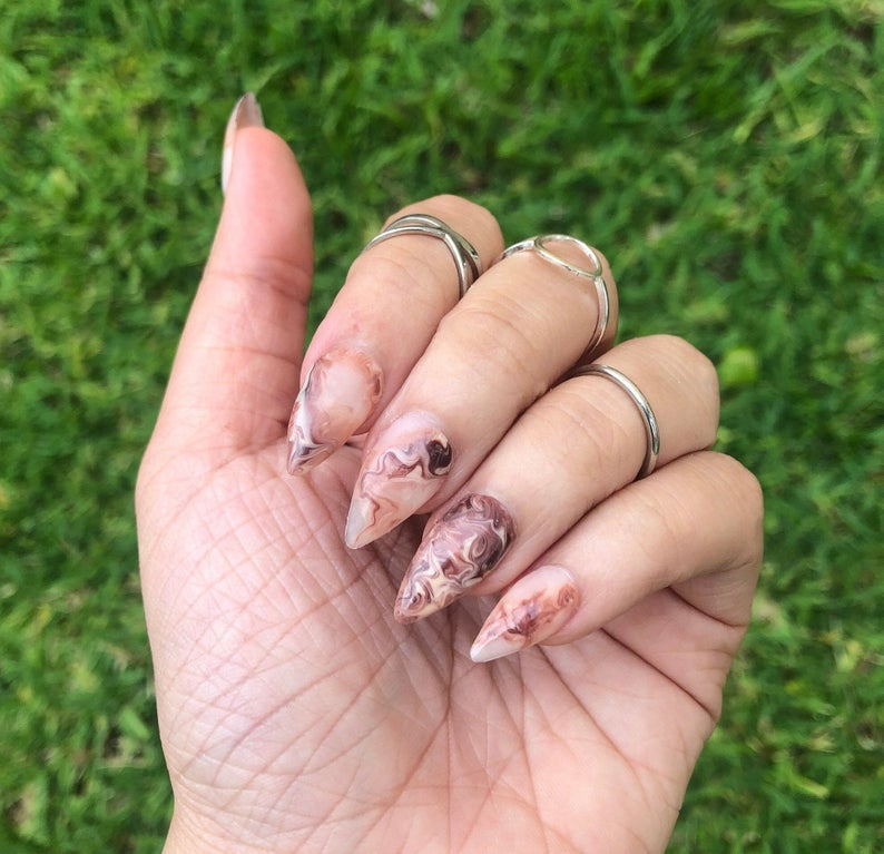 Coffee marble brown nails