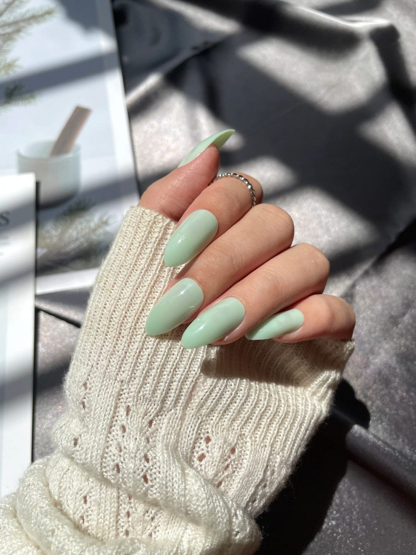 Casual mint green nails for everyday wear