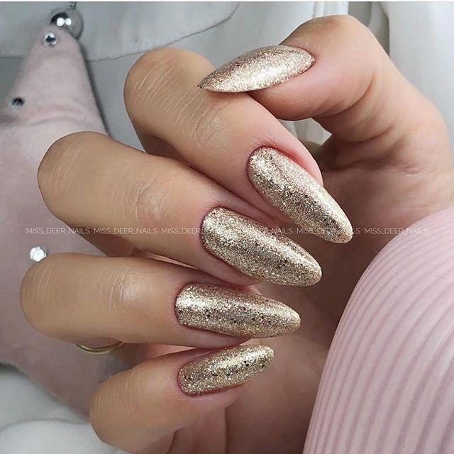 Cute gold glitter nails