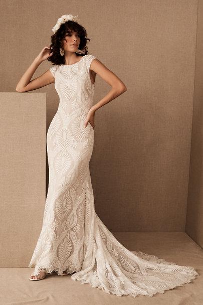 Beautiful backless lace wedding dress