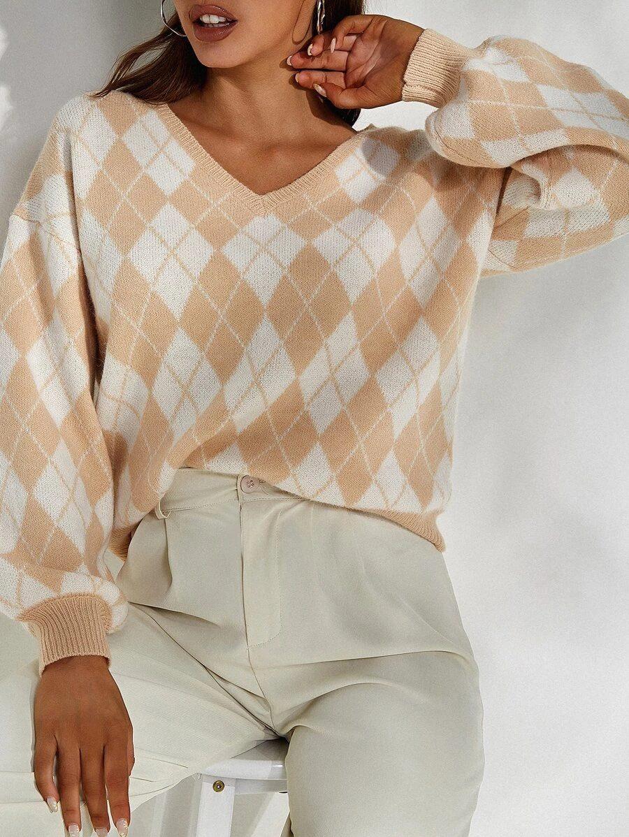 Light Academia Outfits: Argyle sweater