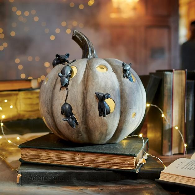 Mouse Pumpkin with holes