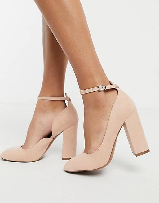 Block heels in blush