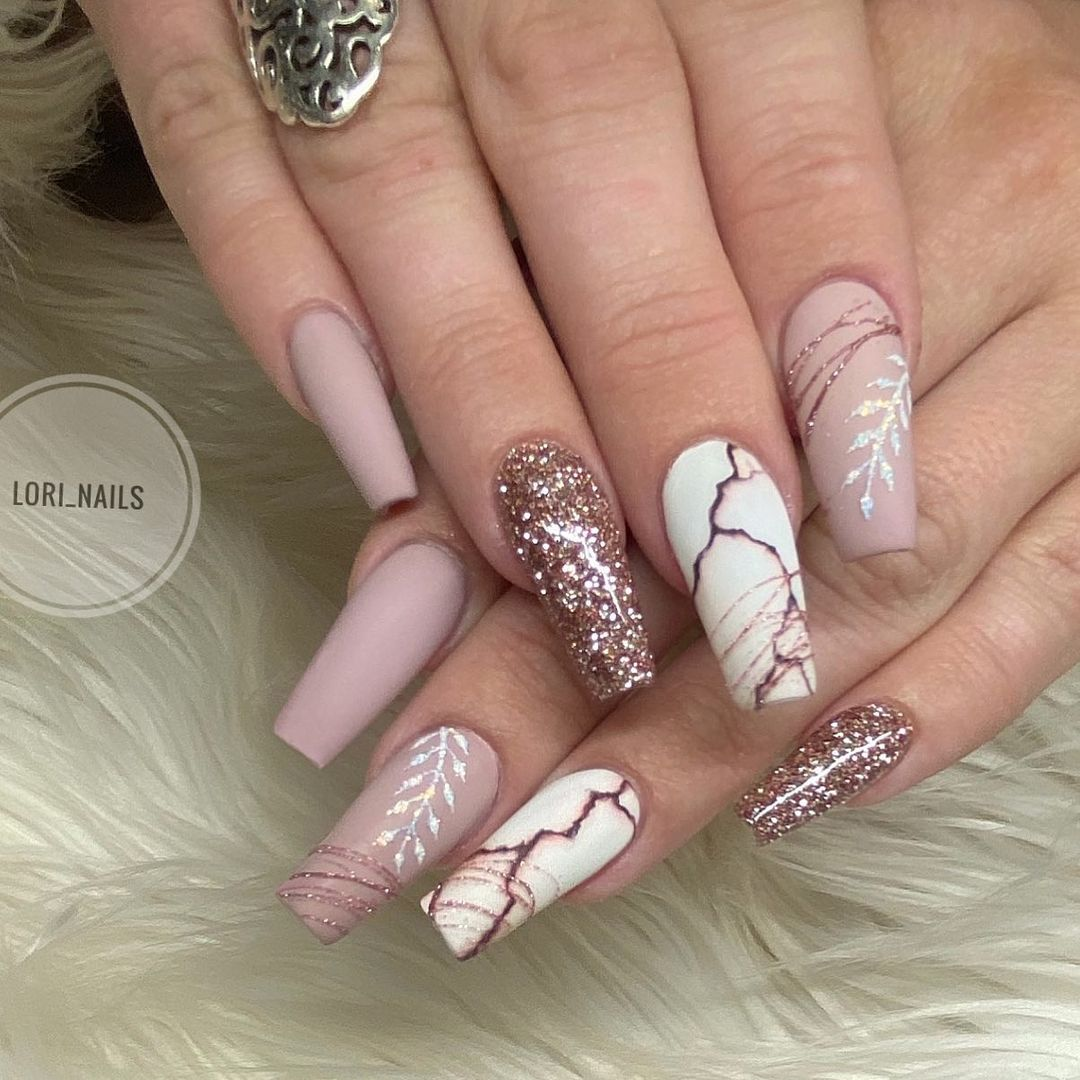 Rose gold nails with glitter and matte nails
