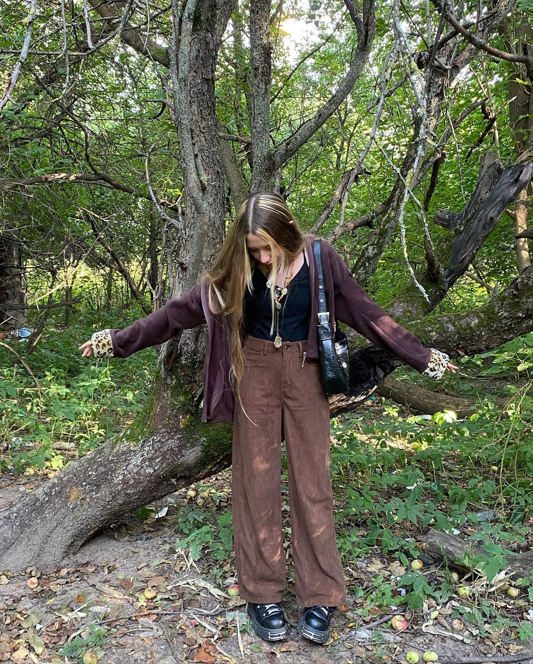 Brown corduroy pants with cardigan