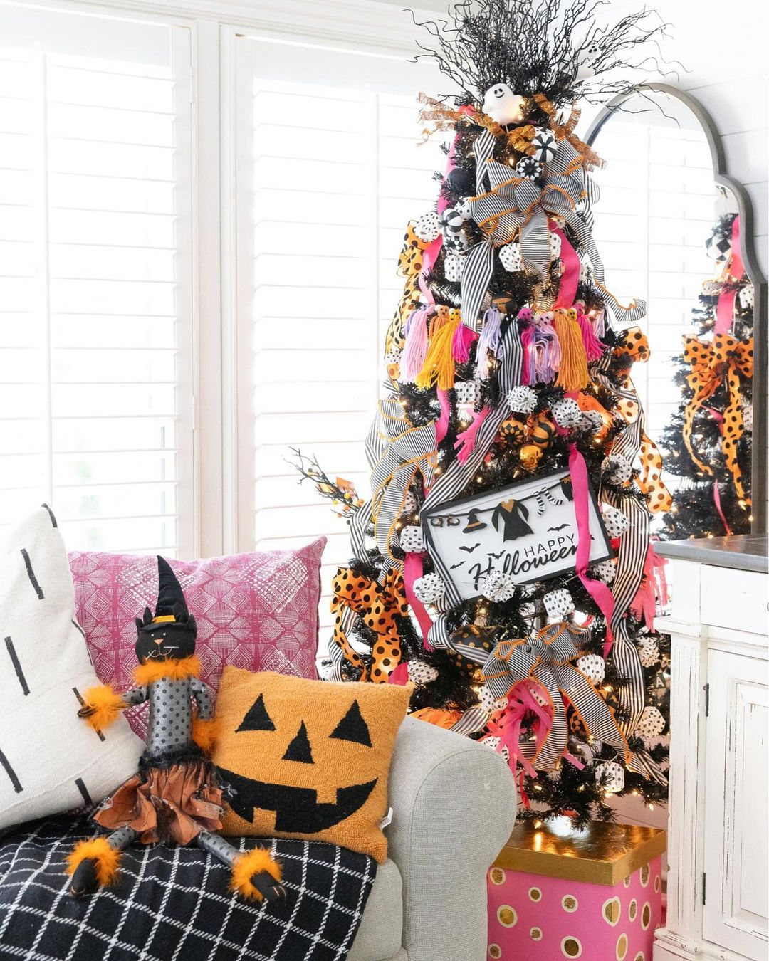 Pink & Striped Halloween Tree