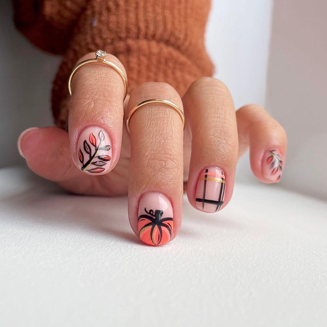 Cartoonish Pumpkin Nails