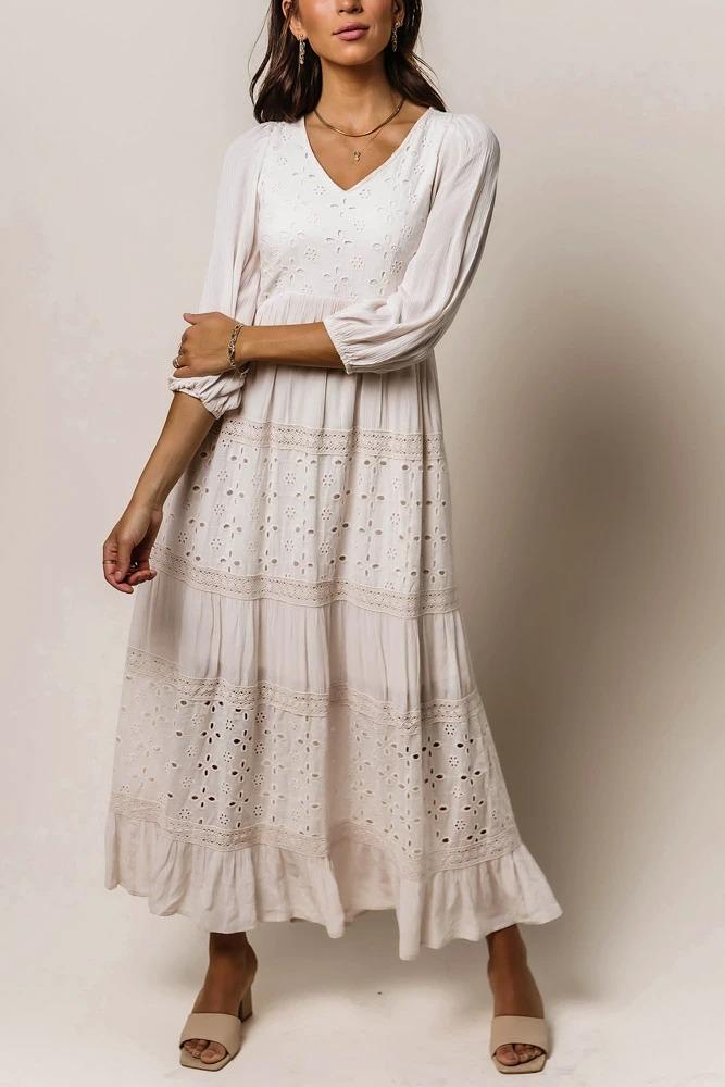 Boho Outfits: White eyelet long sleeved maxi dress