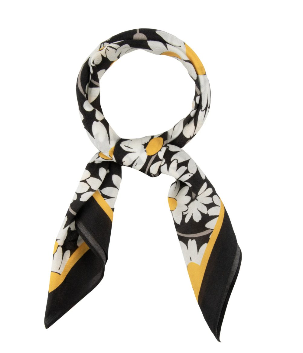 What To Wear To A Country Music Festival: Floral silk bandana