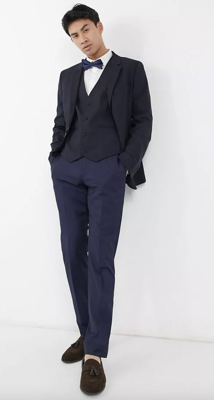 What To Wear At A Masquerade Party: Navy tuxedo