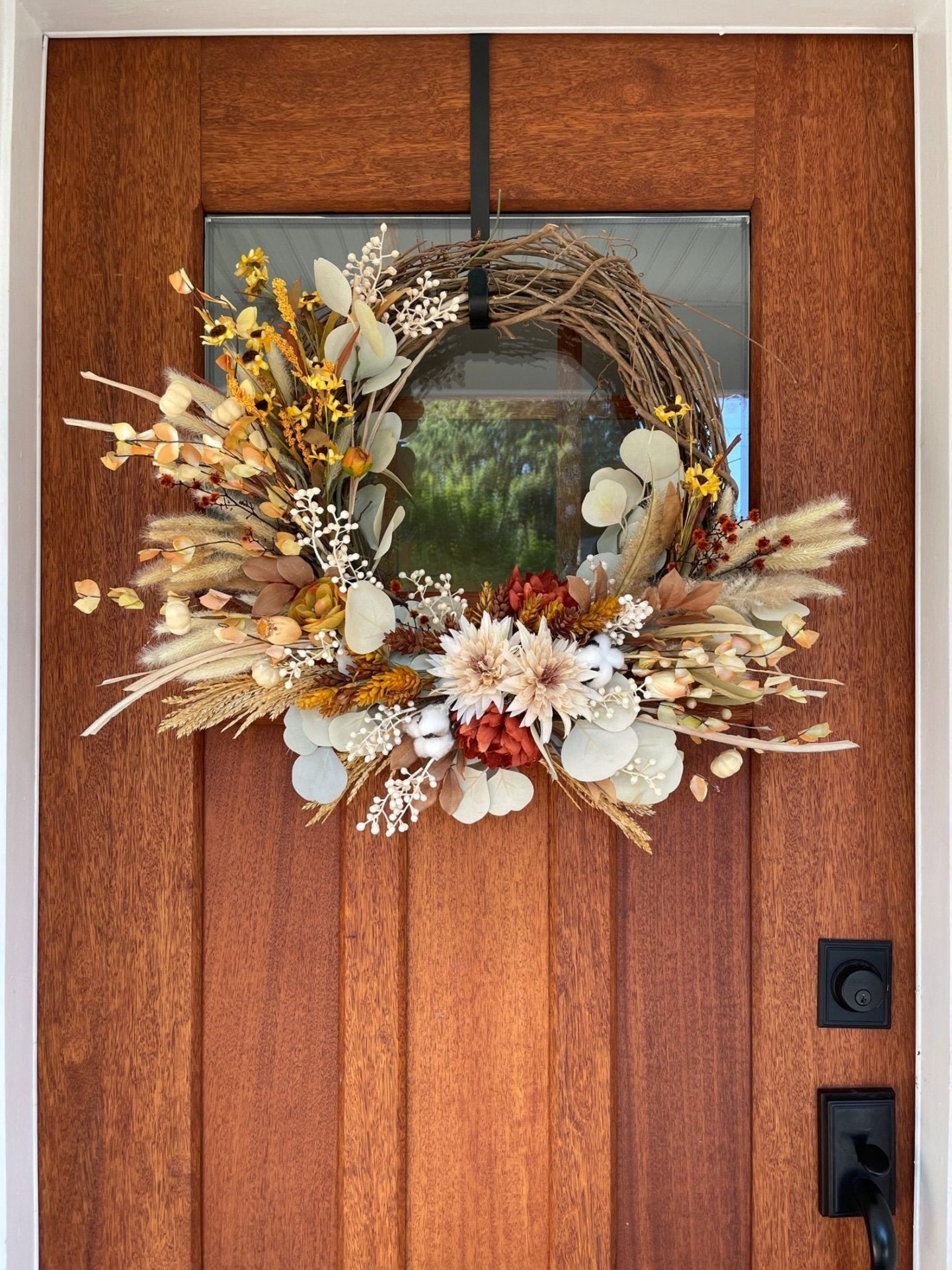 Beautiful and elegant fall wreath for the front door