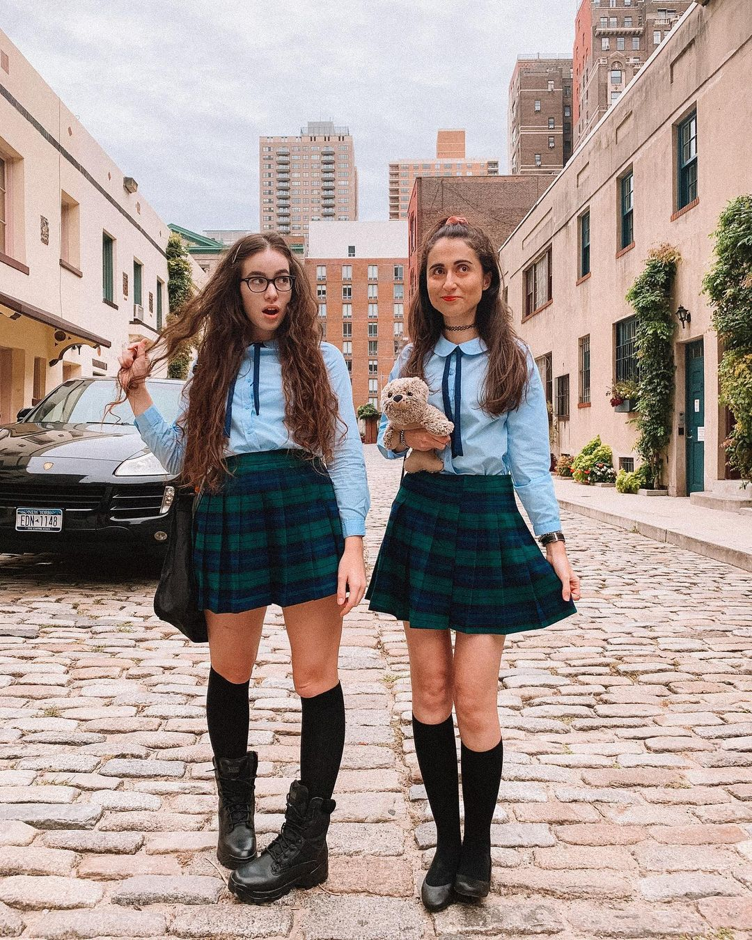 Unique and cute best friend Halloween costumes for 2