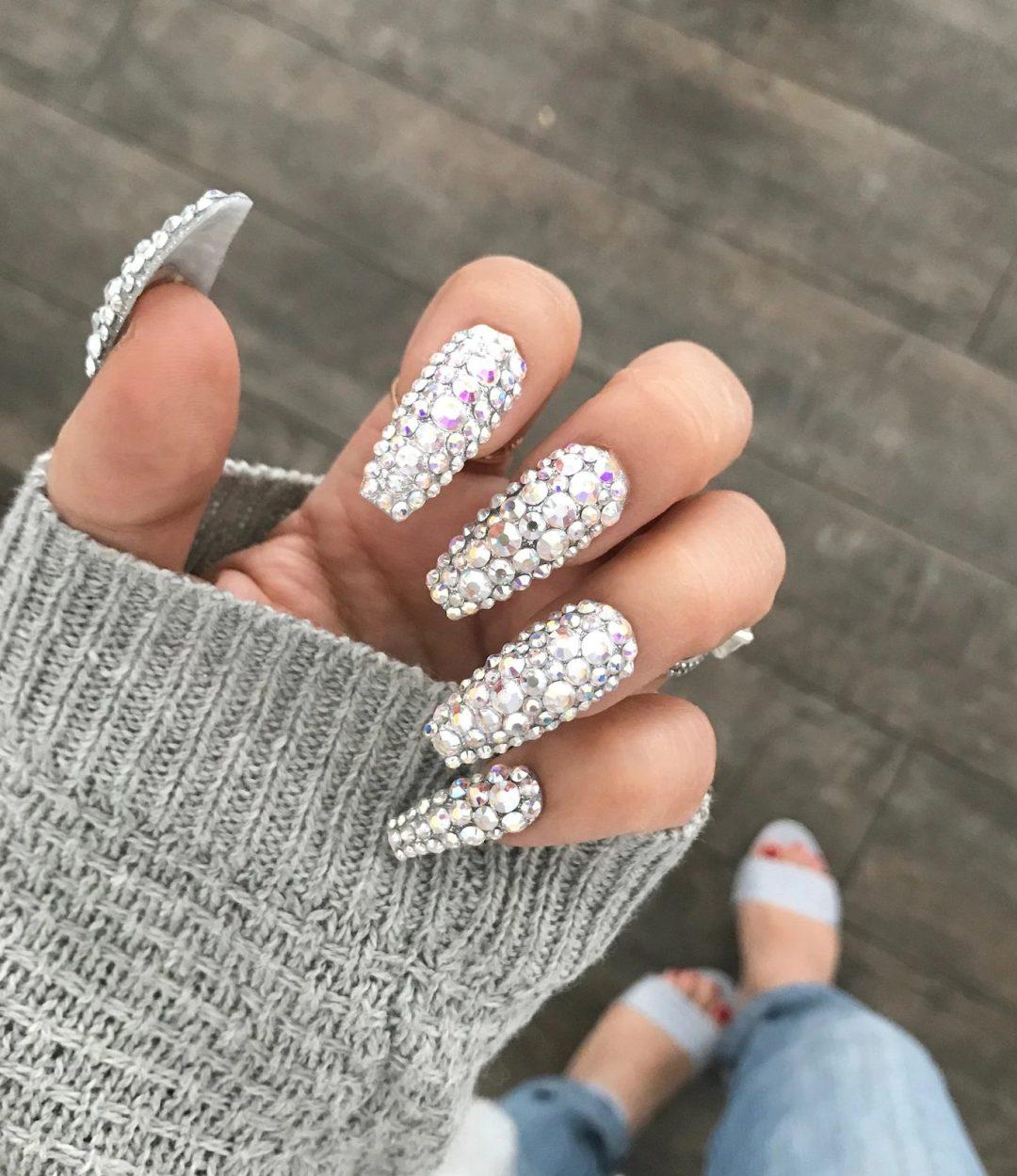 Cute silver rhinestone nails