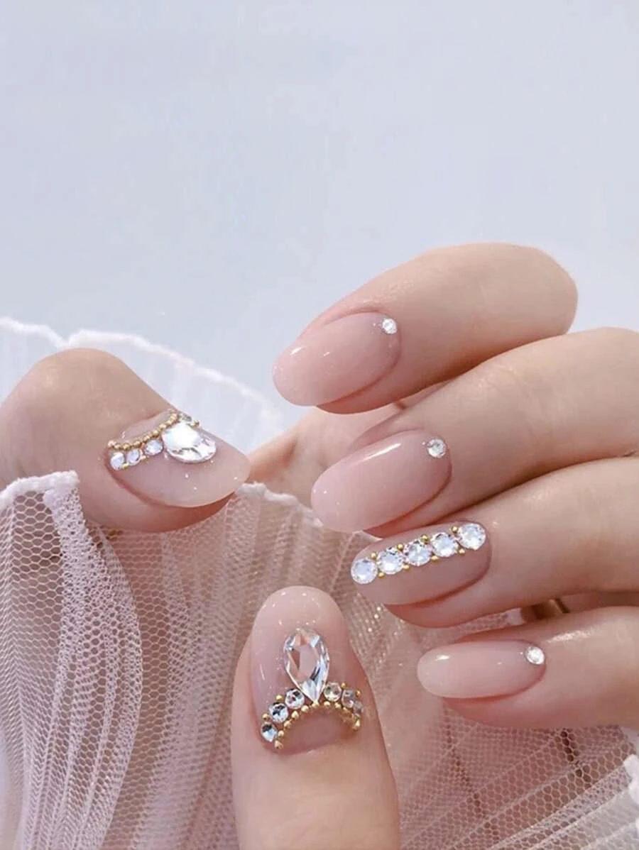 Cute short rhinestone nails