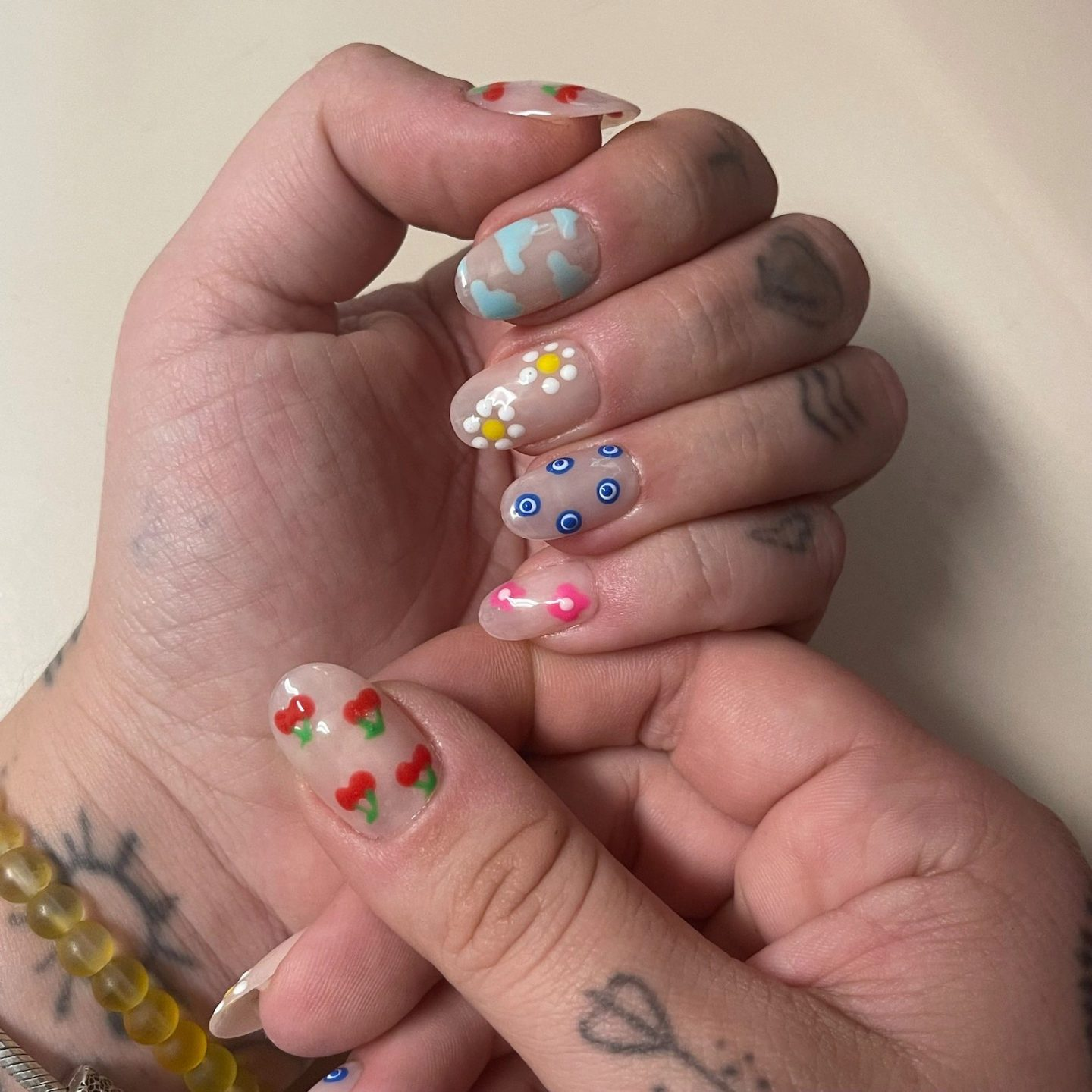 90s style abstract nails