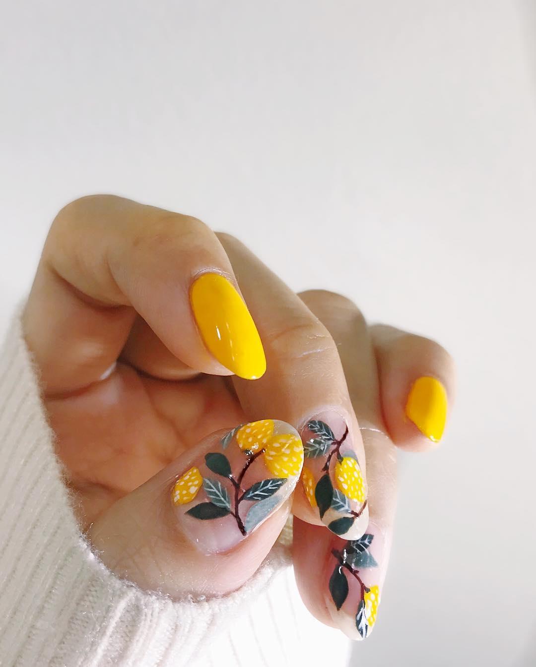 Cute yellow lemon and fruit nails