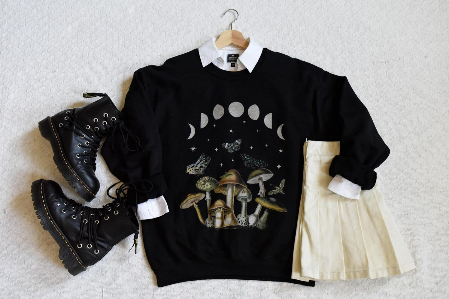 Black sweatshirt with mushrooms for edgy golincore outfit
