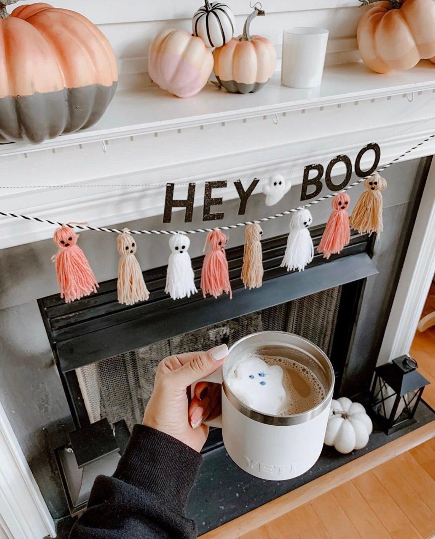 "Cute ""Hey Boo"" Halloween Garland"
