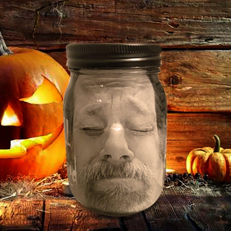Scary Halloween mason jar decor