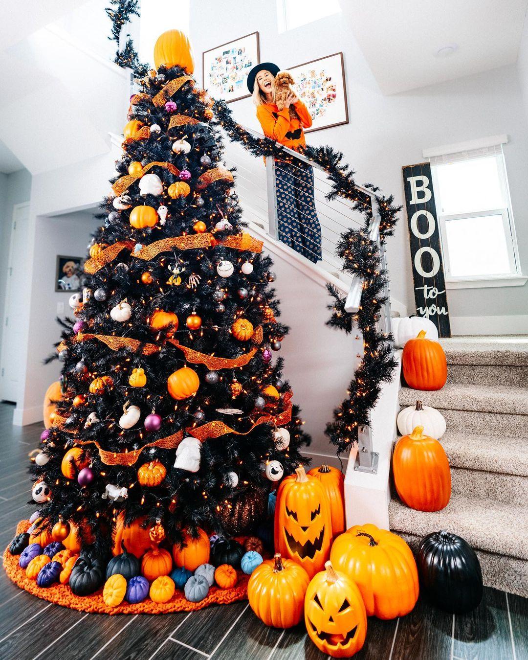 Cute Halloween tree with pumpkins