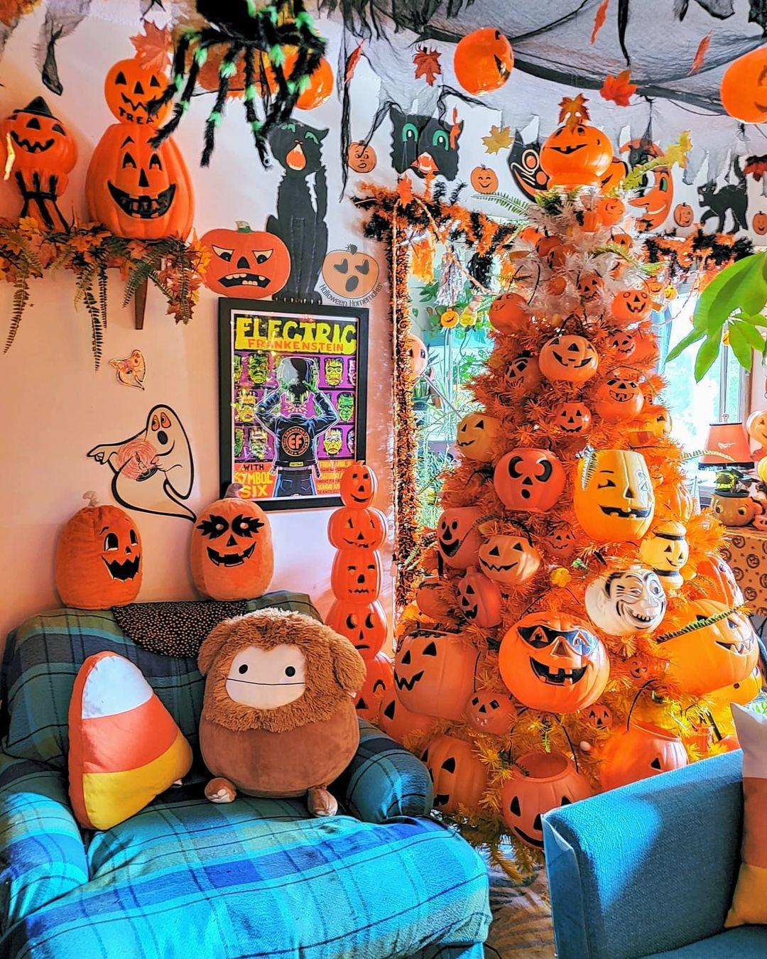 Orange Halloween tree with lots of pumpkins