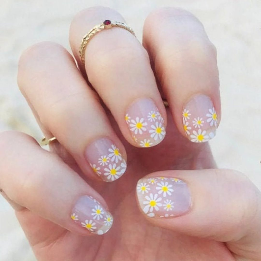 Simple clear daisy nails
