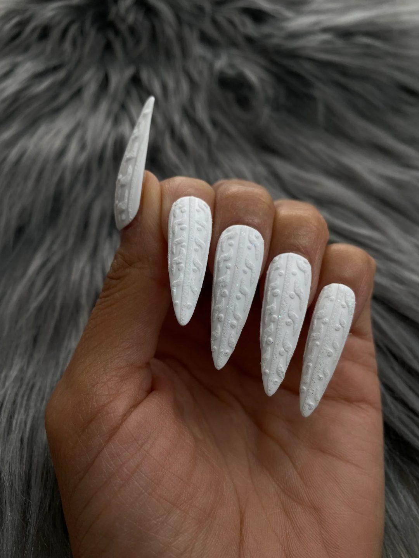 White matte sweater nails