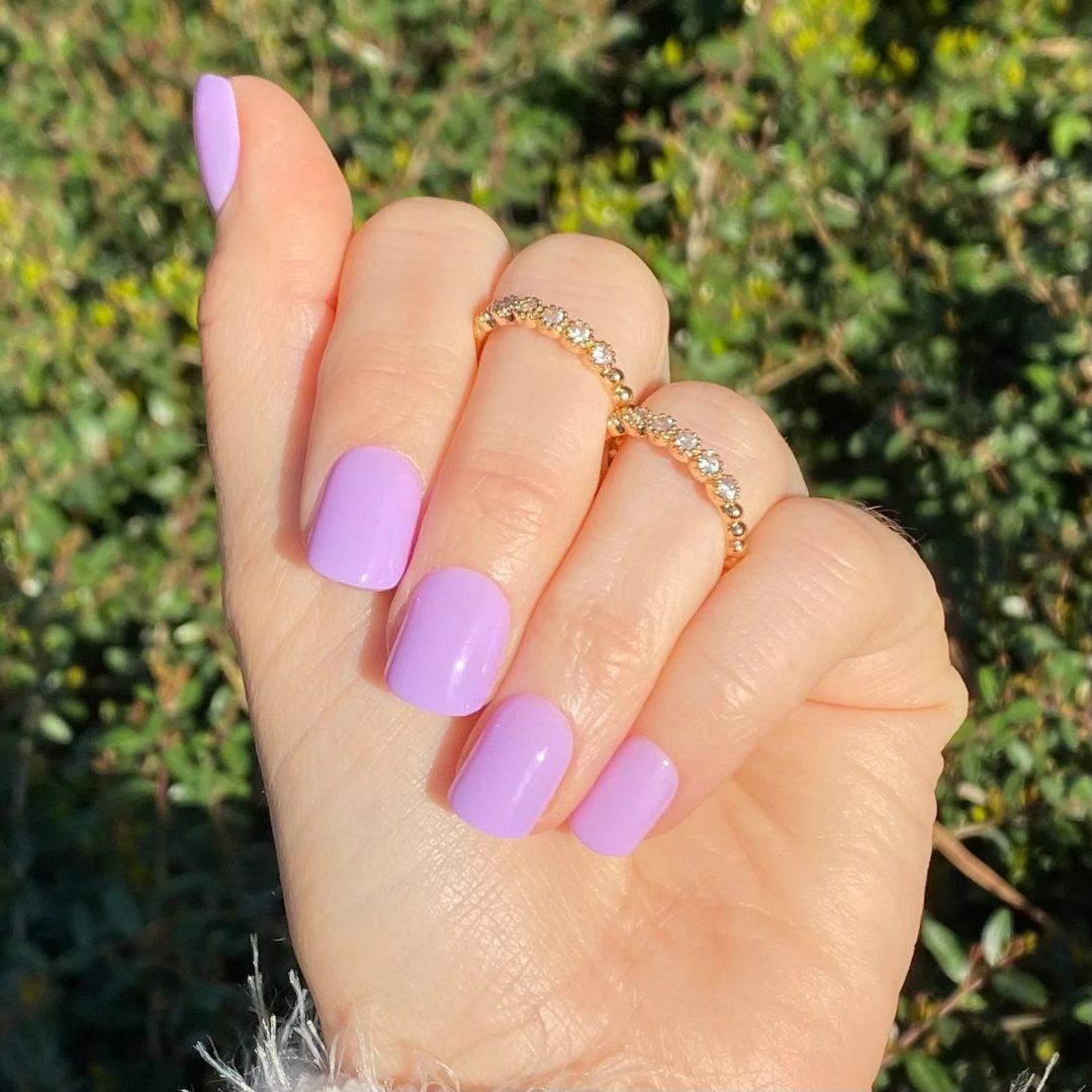 Lilac square nails
