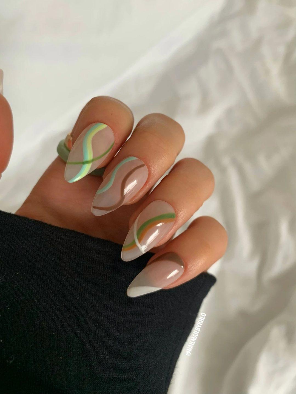 Earthy tone swirl nails
