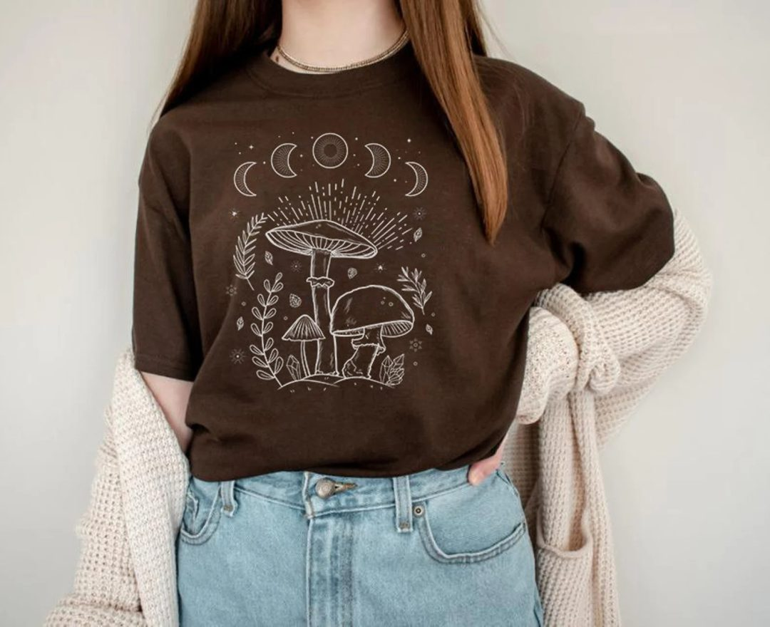 Goblincore Outfits: Brown mushroom and fungi tee