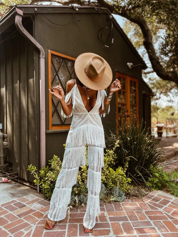 Boho Outfits: White frilled boho jumpsuit