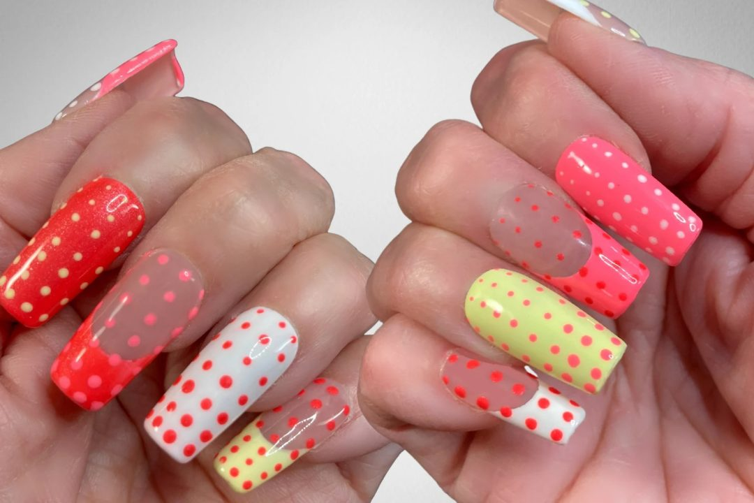 Dotted square nails