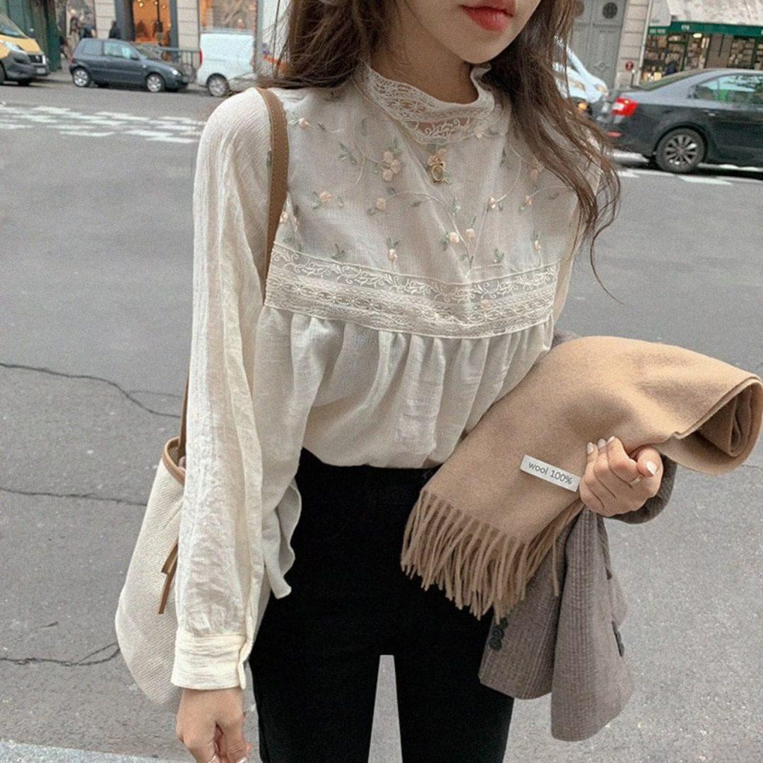 Light Academia Outfits: White blouse