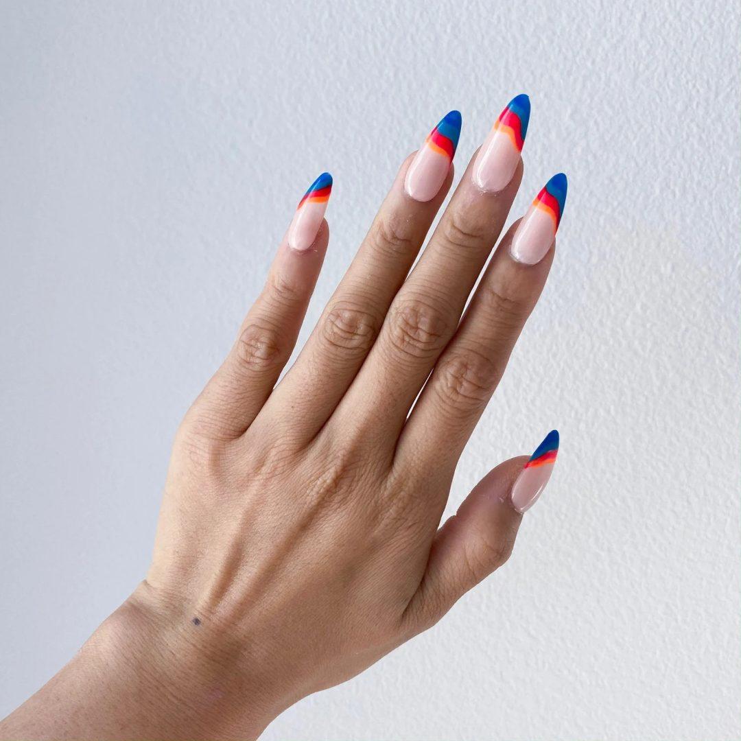 Retro color swirl nails