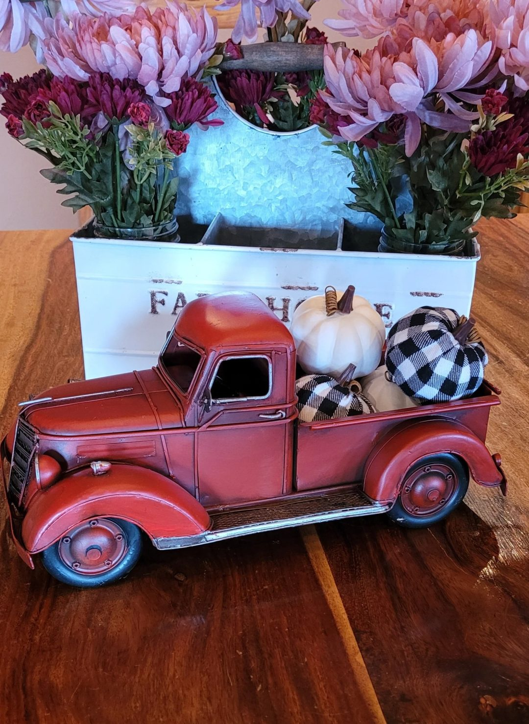 Rustic Pumpkin Truck