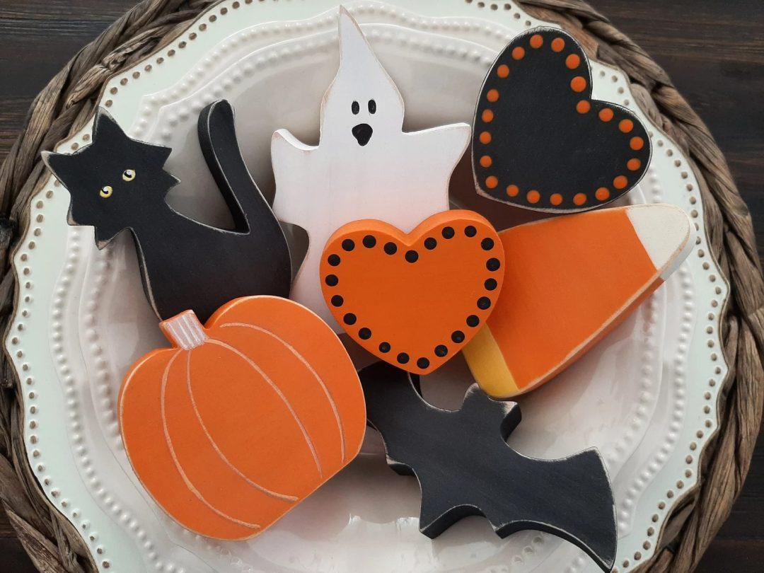 Chunky Wooden Halloween Decor for best indoor Halloween decorations