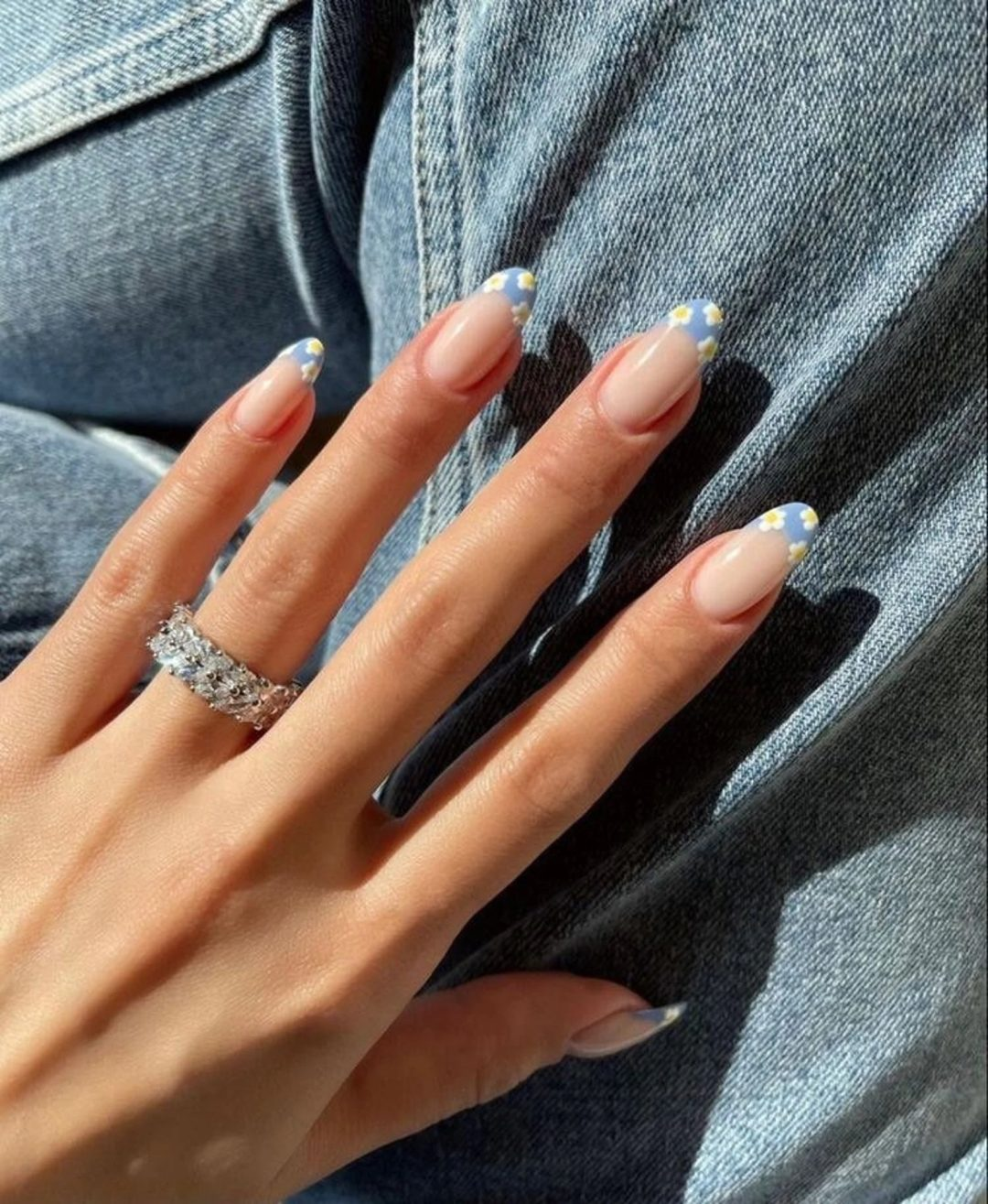 Denim blue french tips with daisies