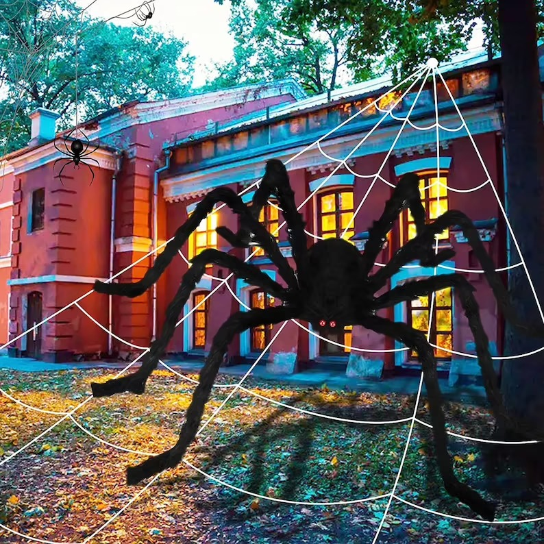 Giant Yard Spider for best outdoor Halloween decorations