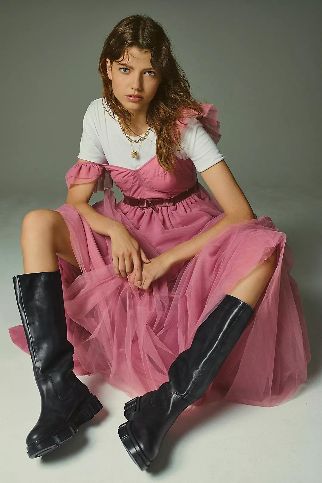 Boho Outfits: Pink mesh maxi dress