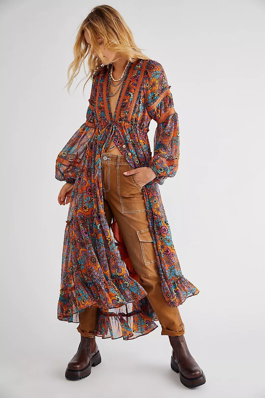 Boho Outfits: Colorful maxi dress