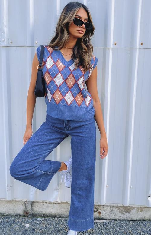 Blue argyle print knit vest