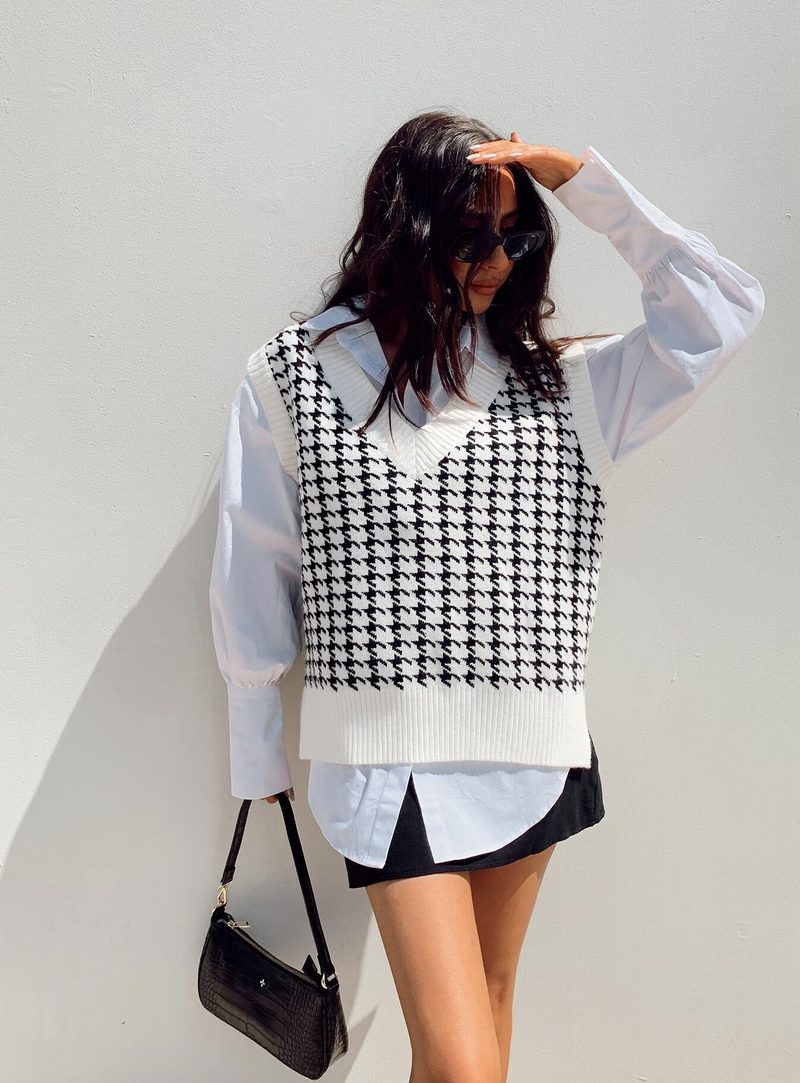 Cute houndstooth sweater vest outfit