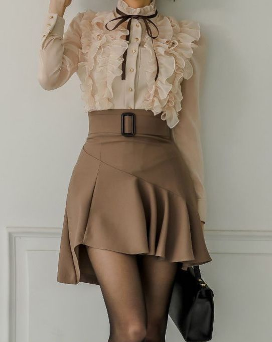 Light academia outfit with ruffles