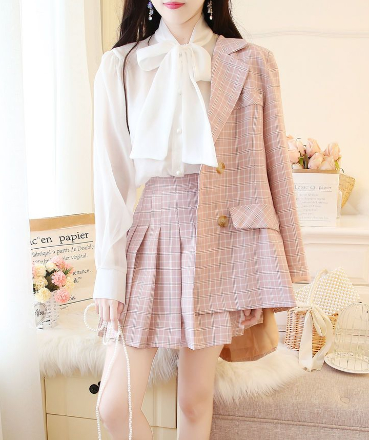 Pink light academia outfit with pleated skirt and blazer