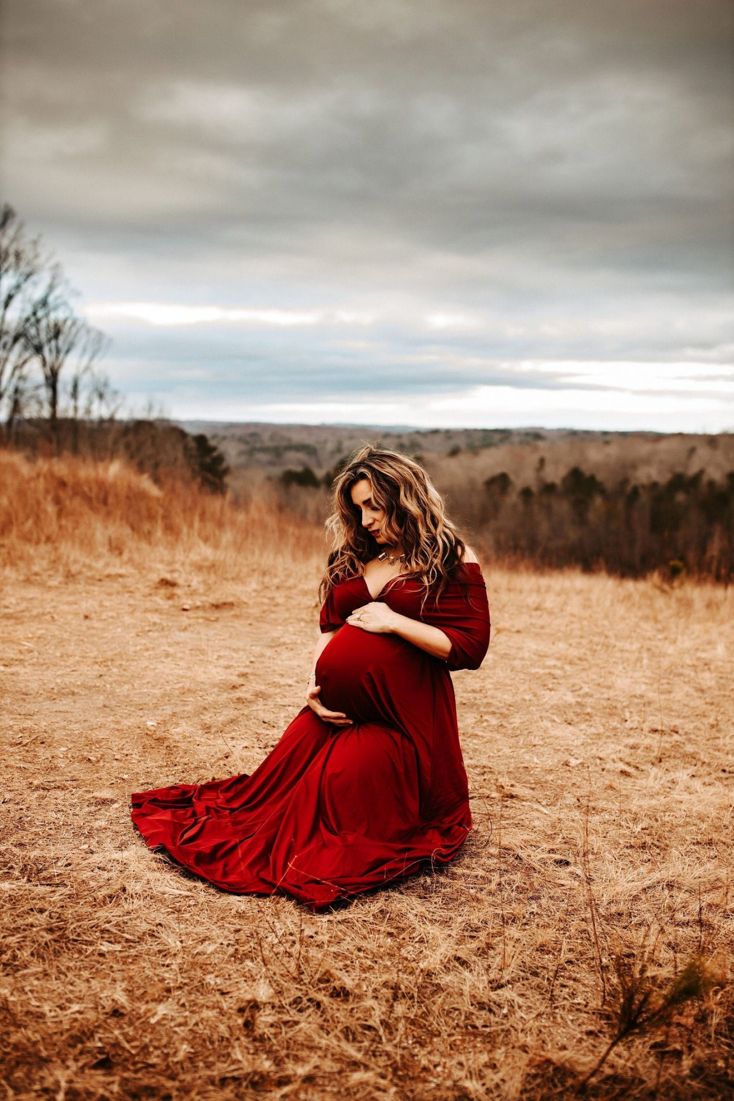 Flowy red maternity dress for photshoots