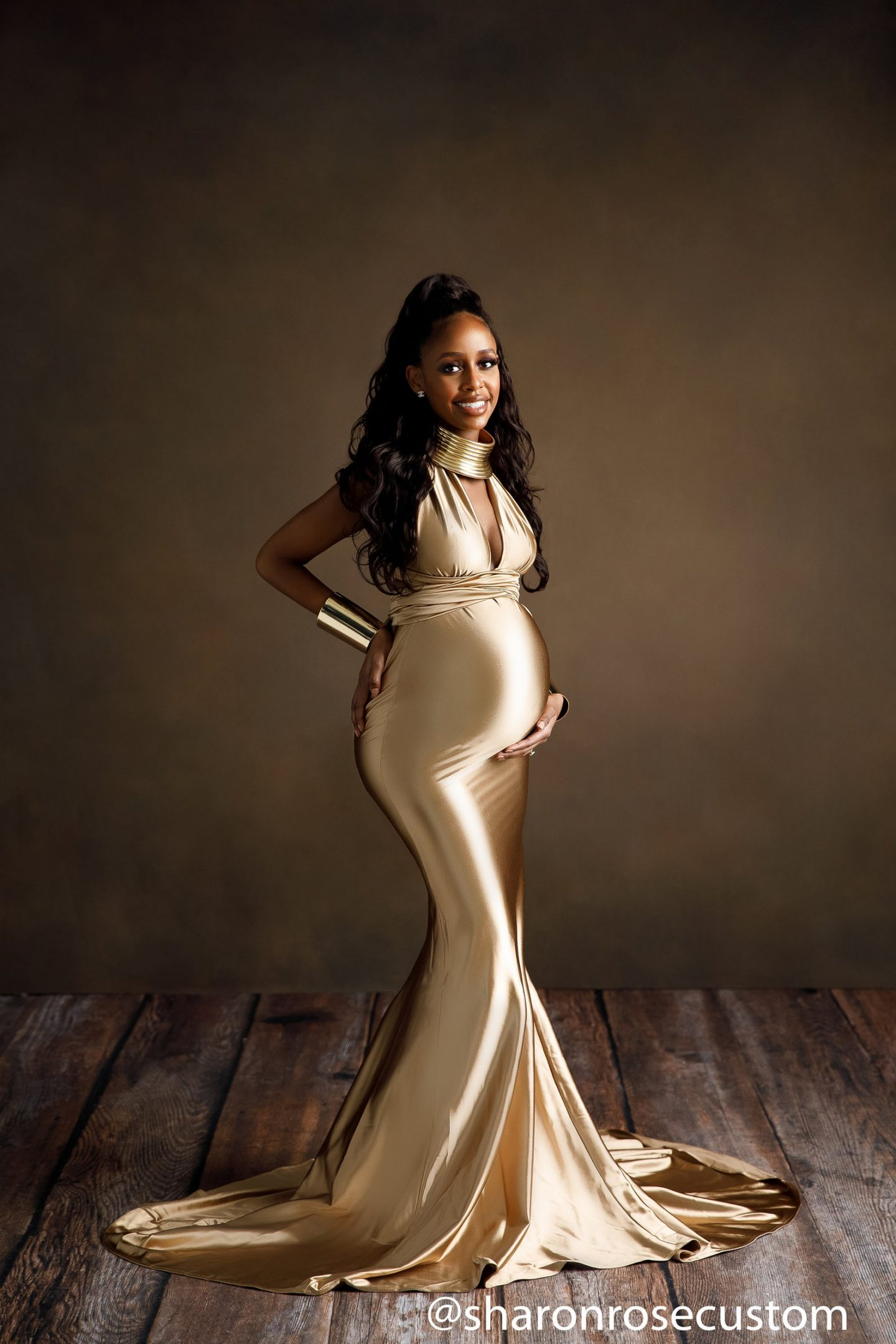 Gold maternity gown for photos