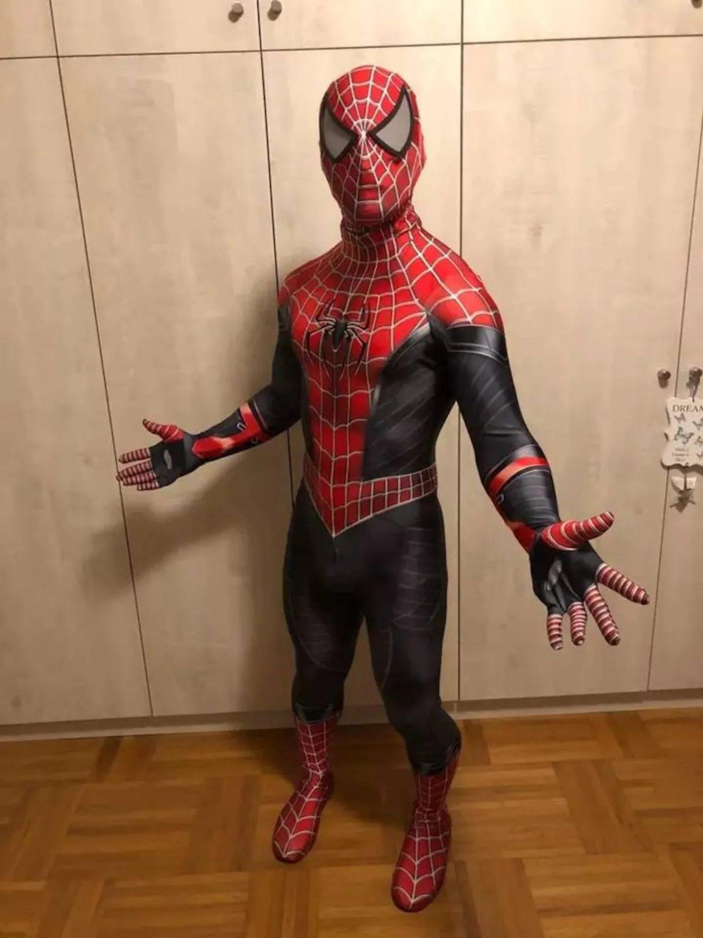 Spiderman Halloween costume for men