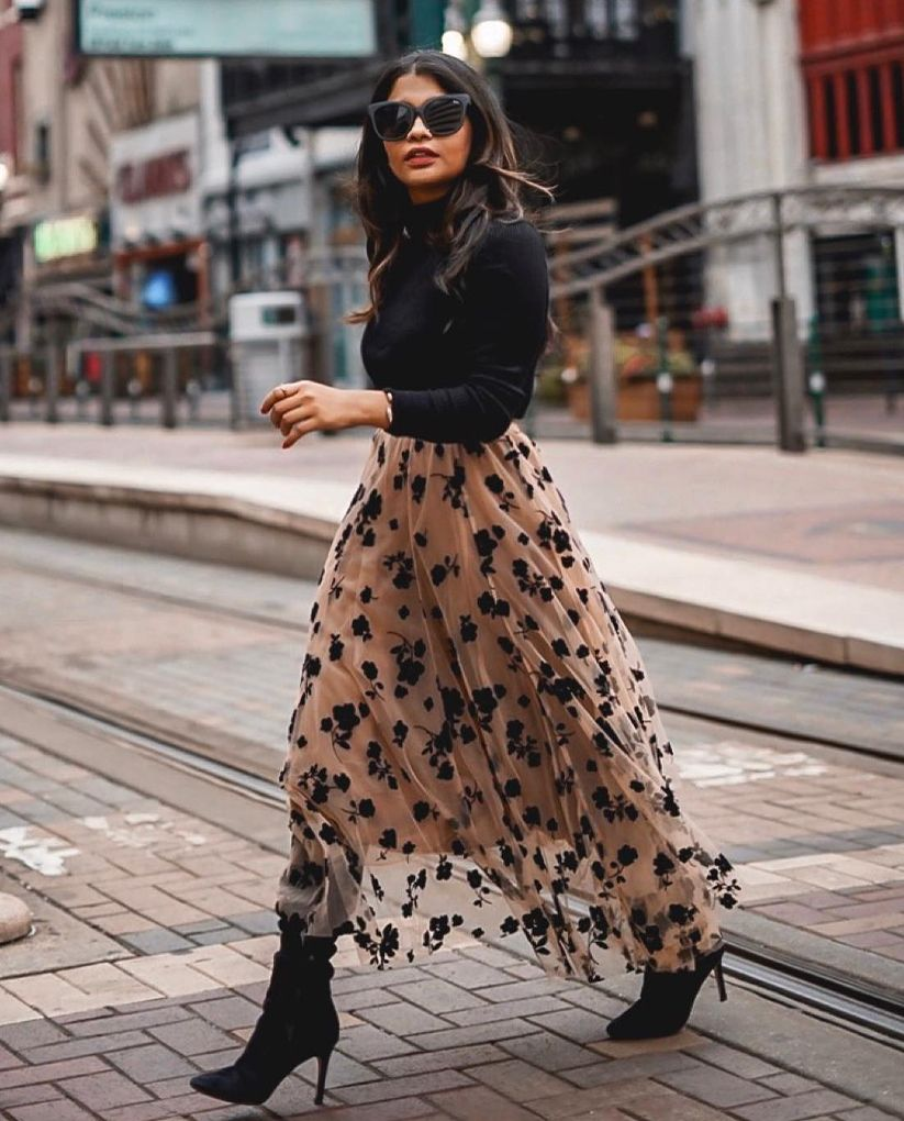 Cute midi skirt outfit with boots for fall