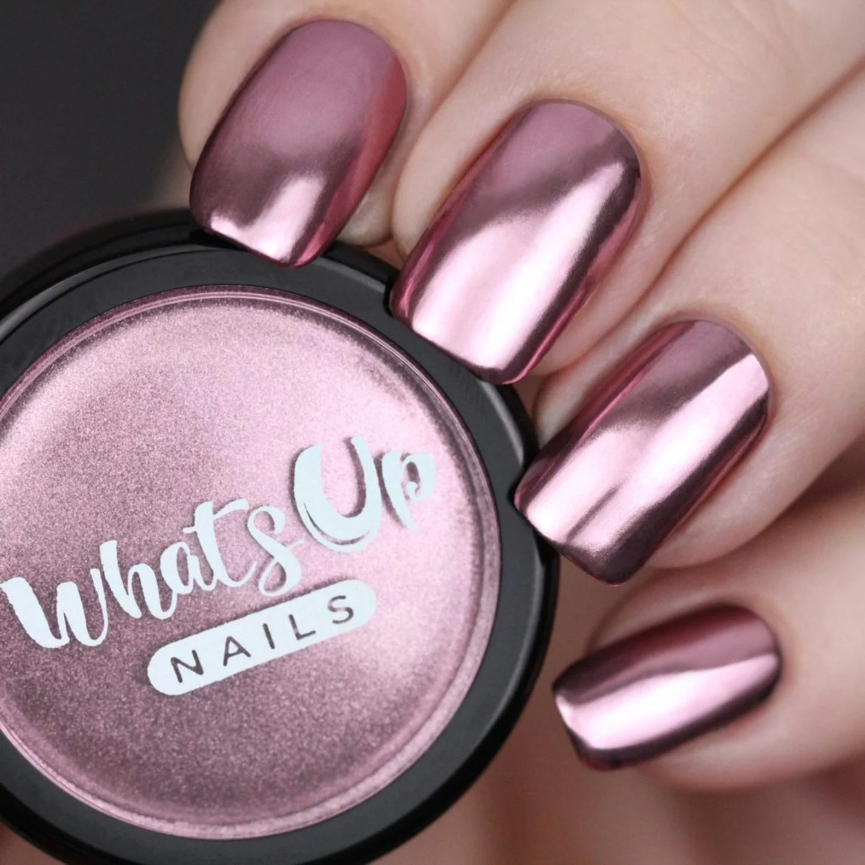 Short rose gold nails